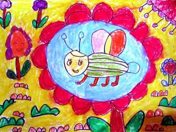 儿童画彩笔画作品:花朵上的小蜜蜂
